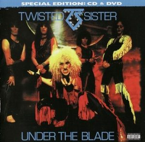 1982 Under The Blade (2011 Remaster Armoury, ARMCD532, Germany)