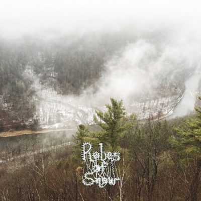 Robes of Snow - The Frozen Choir (2020)